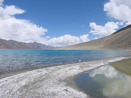 Refreshing 'shikanji' flavoured water: Pangong Tso Lake, Ladakh