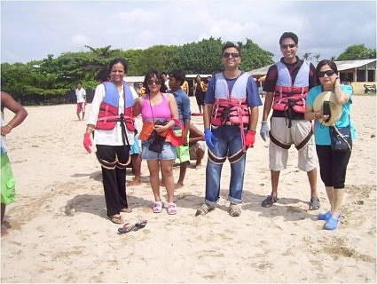 Meenakshi Bahadur, Barila Bisht, Umesh Chandra and Shailly Shukla, ready for para-sailing at nasa Dua beach, Bali