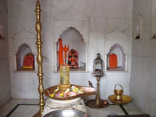 shivling at naina devi temple nainital