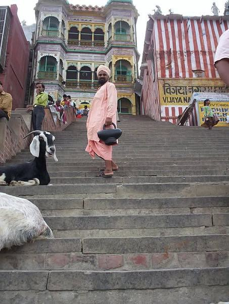 A Hindu renunciate Sanyasi on the banks of River Ganga, Kashi, Varanasi, India