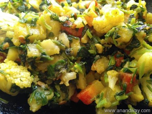 methi gajar alu gobhi matar punjabi sabji recipe (1)